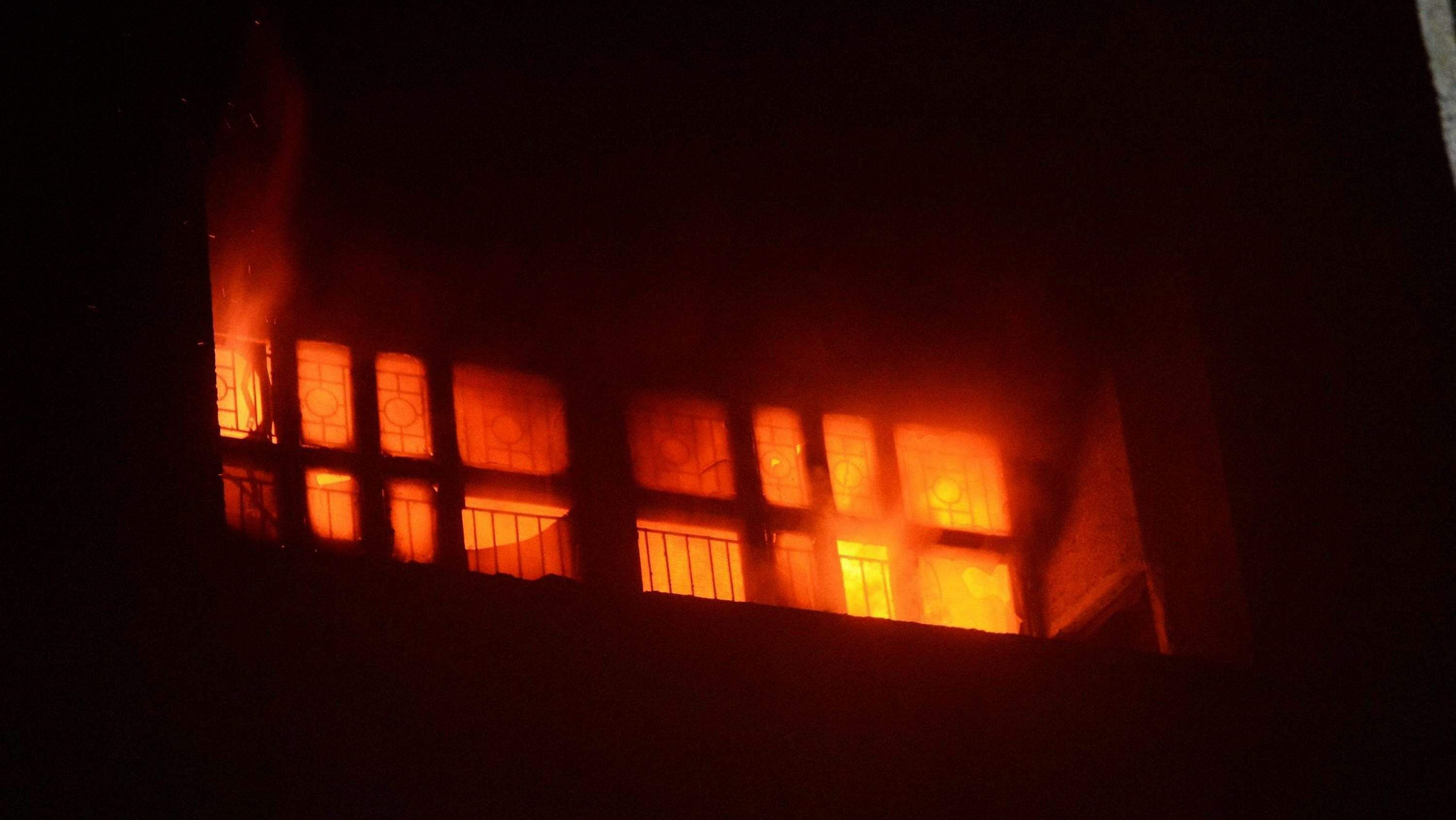 Massive fire breaks out at Lucknow's trauma centre