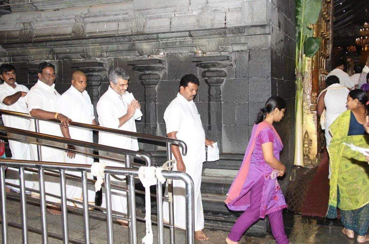 Ajith Kumar at Tirupati temple ahead of Vivegam release