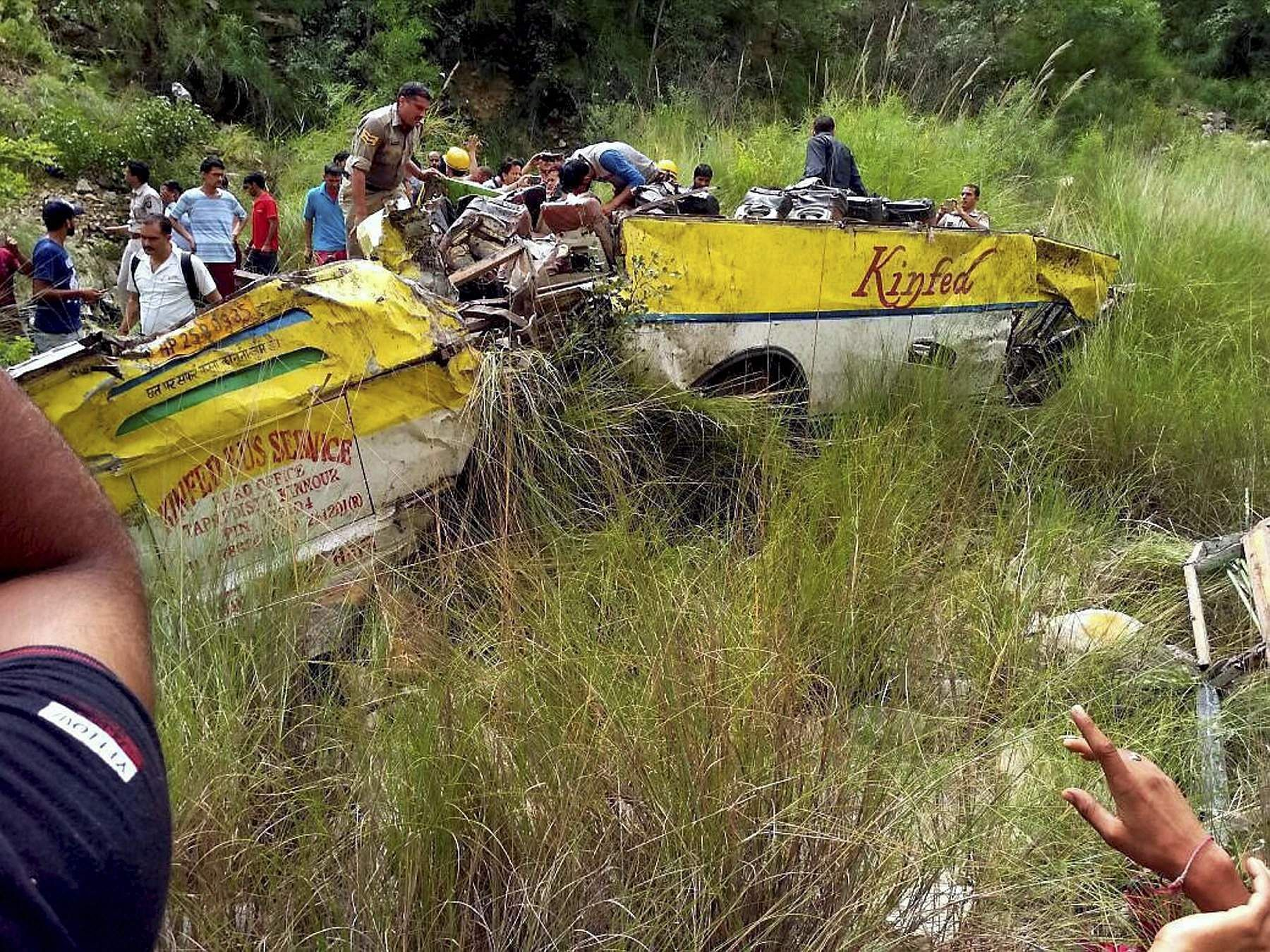 28 killed as bus falls into gorge in HP