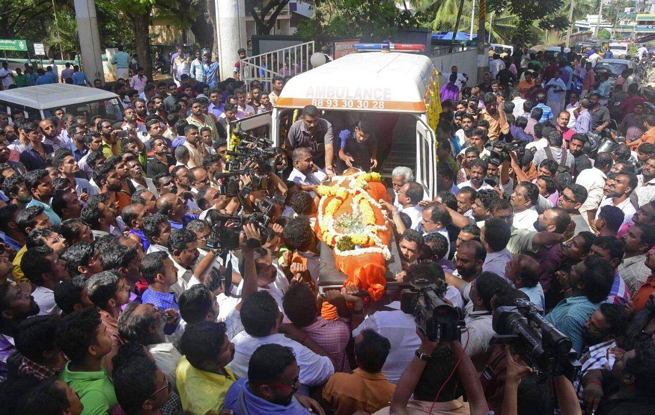 kerala rss worker u0027s murder entire funeral procession stretch