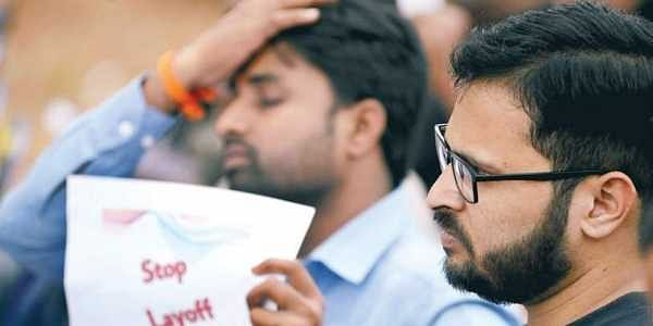 Only 100 techies turn up to protest layoffs- The New Indian
