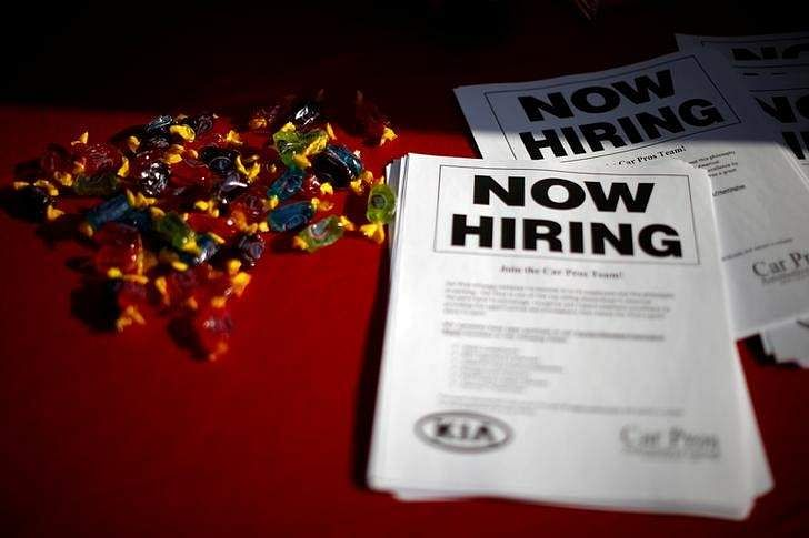 U.S. jobless claims increase by 4000