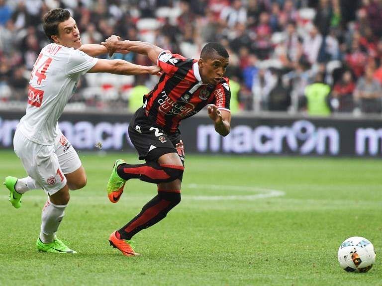 Inter Milan buy Nice left-back Dalbert