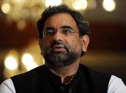 Prime Minister Abbasi arrives in Karachi on his first visit