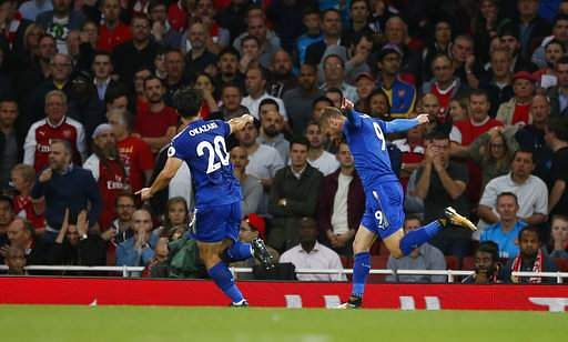 Britain_Soccer_Premie_Mukh_(3)