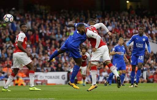 Britain_Soccer_Premie_Mukh_(2)