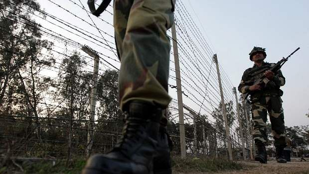 Pakistan violates ceasefire in Poonch, 45-year-old woman killed