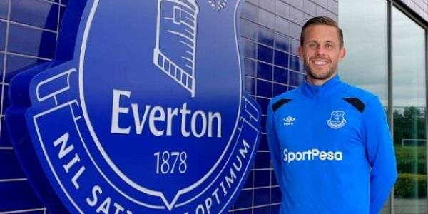 Everton signed Iceland midfielder Gylfi Sigurdsson from Premier League rivals Swansea for a club record 45 million pounds. (Twitter|Everton)