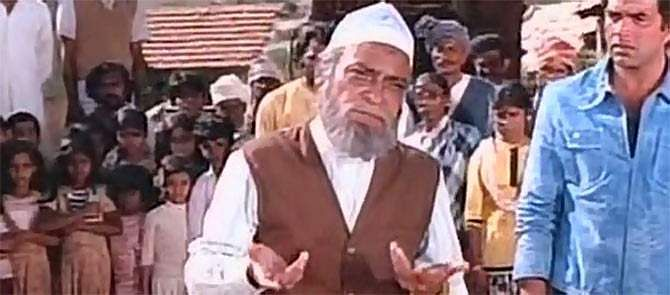 Though in films, he was always noted for supporting roles, he was known to research for the role and play it to perfection. In an interview, he revealed that, for his role 'Rahim Chacha or Imaam Sahab' in Sholay, he had learnt Islamic hymns and tried to perfect the body language of a Muslim priest.