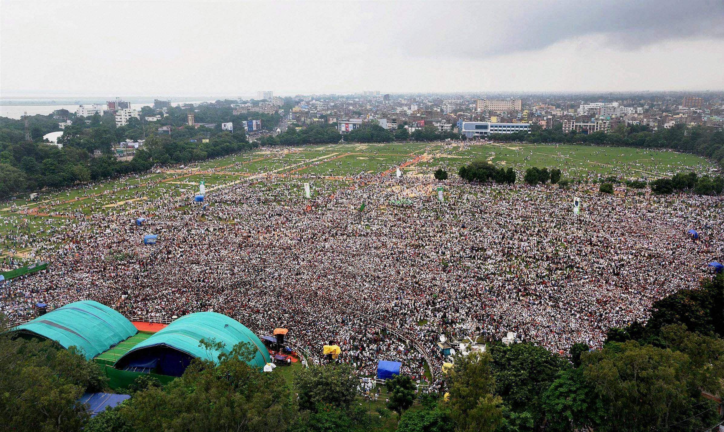 Lalu's anti-BJP rally in Patna. (Photo | PTI)