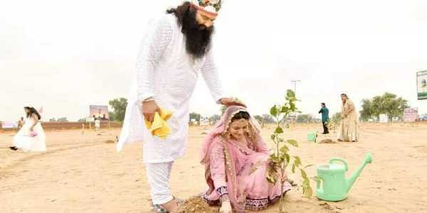 Rape convict Dera chief Gurmeet Ram Rahim Singh with adopted daughter Honeypreet Insan (Official Website | Honeypreet Insan)