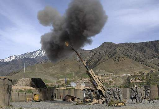 Barrel of US-made 777 light Howitzer crashes during field trials