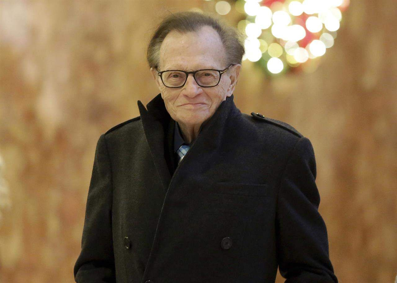 Larry King Reveals Battle with Lung Cancer