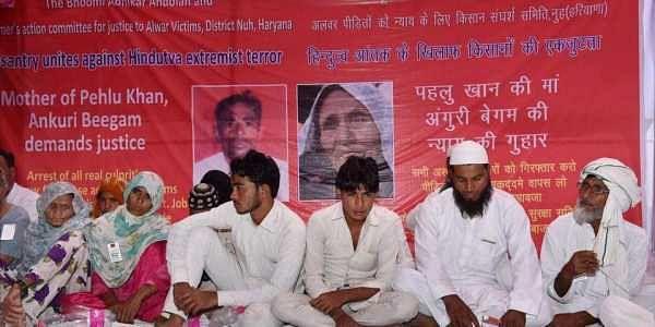 pehlu-khan-s-relatives-