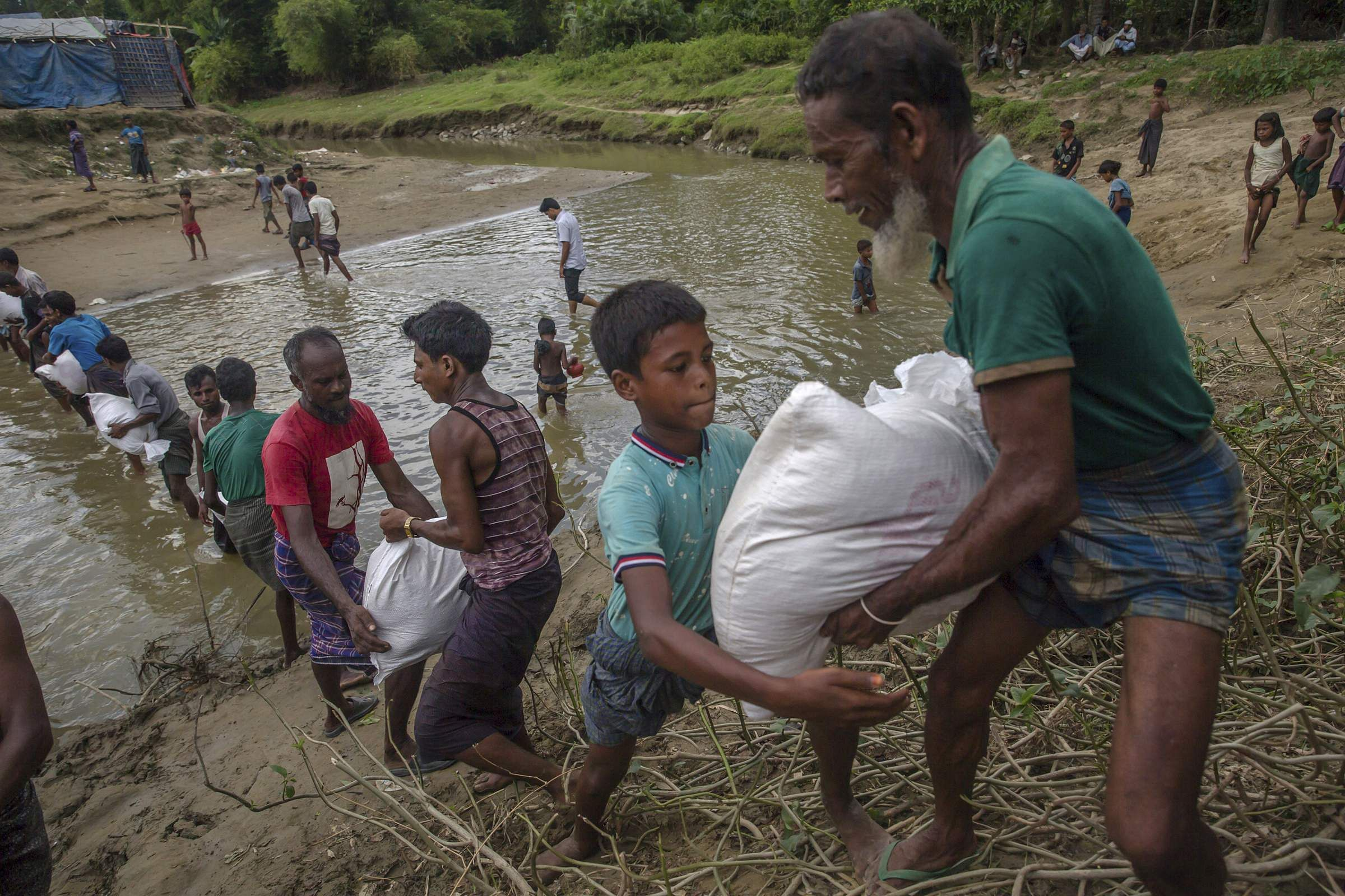 10k to 20k Rohingya Muslims arrive in Bangladesh each day, United Nations says