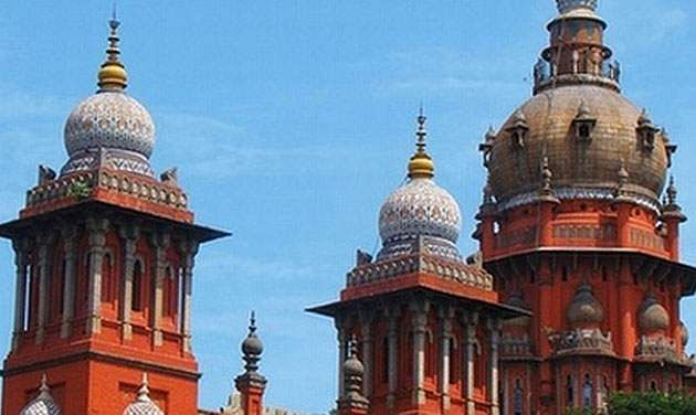 Pictures of living persons can't be used on banners, hoardings: Madras HC