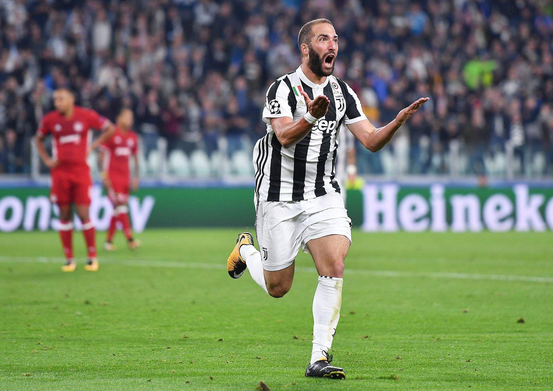 Gonzalo Higuain es off bench to help Juventus beat Olympiakos 2