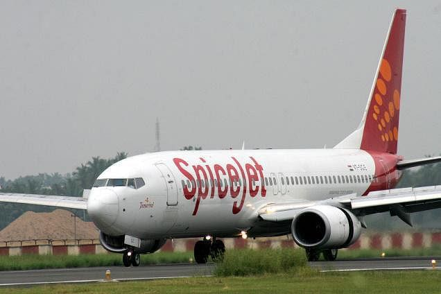 Bombardier selling up to 50 turboprops to India's SpiceJet