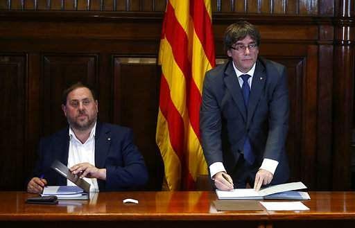 Catalan parliament paves the way for independence vote