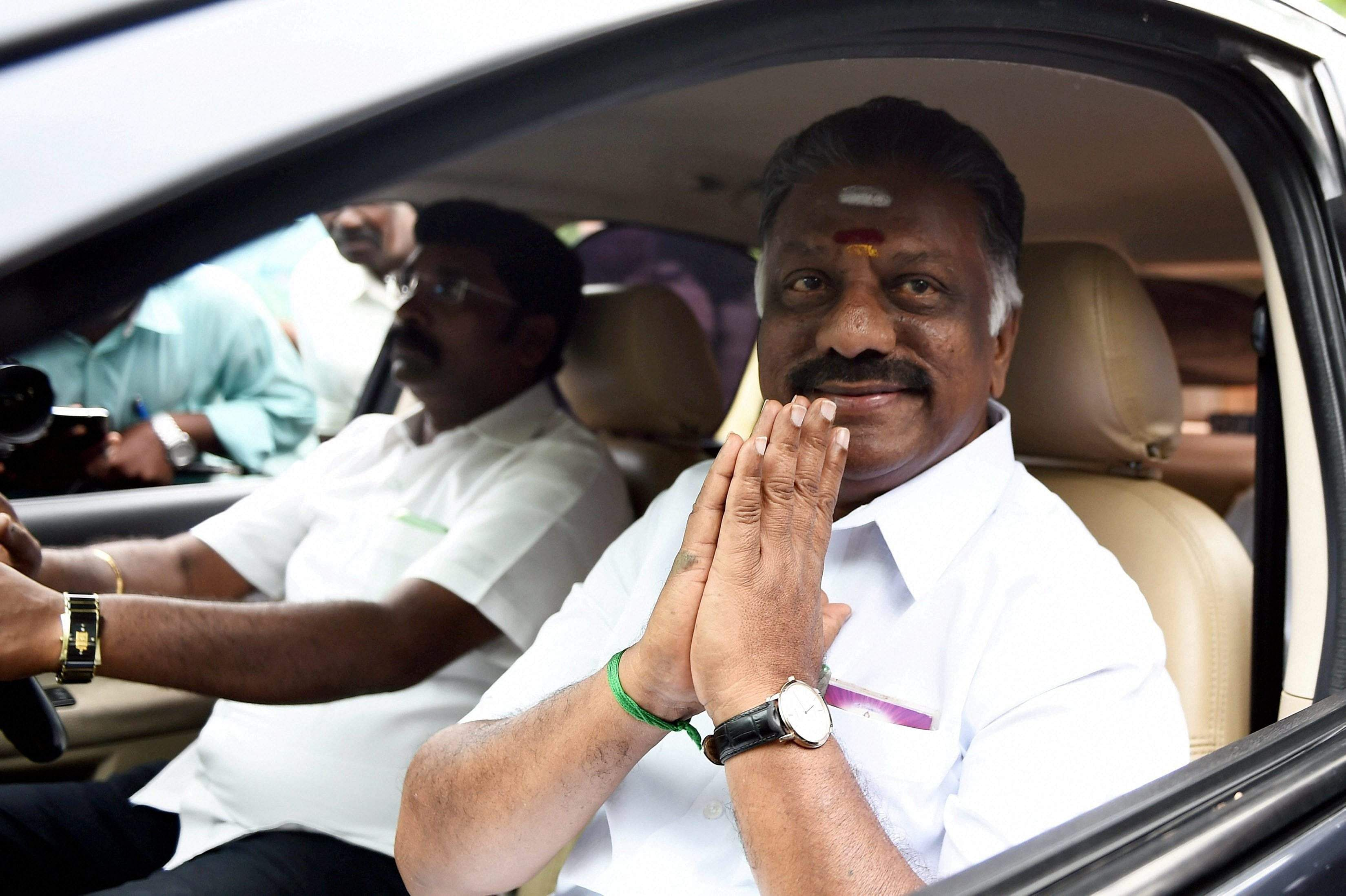 Tamil Nadu presents deficit budget