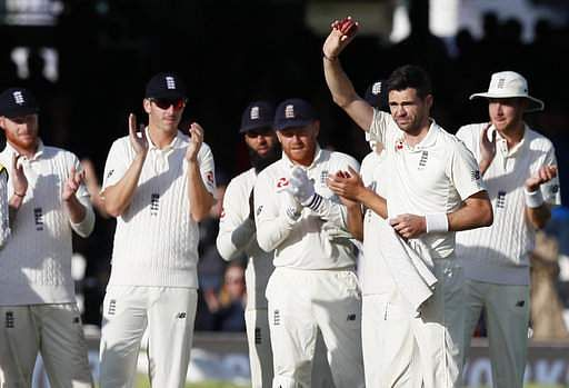 Anderson joins 500 club as England edge in front