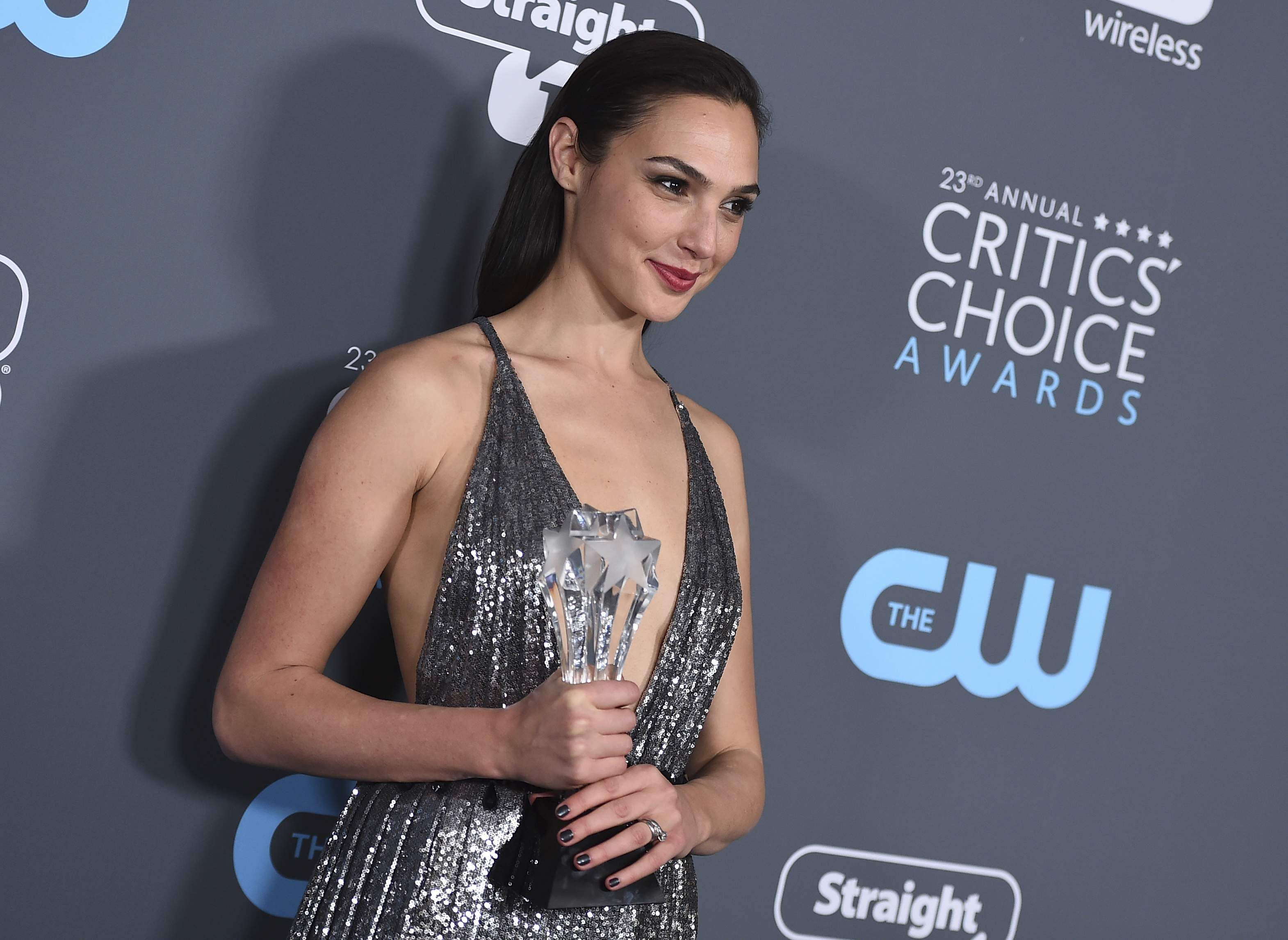 9 best-dressed stars at the 2018 Critics' Choice Awards