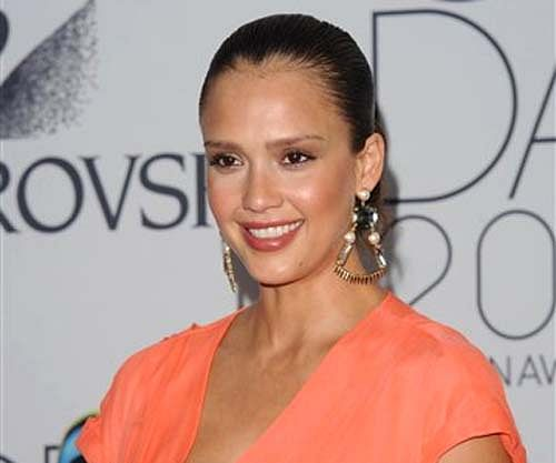 Jessica Alba gives birth on New Year's Eve