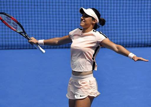 Keys blasts her way into Australian Open quarters