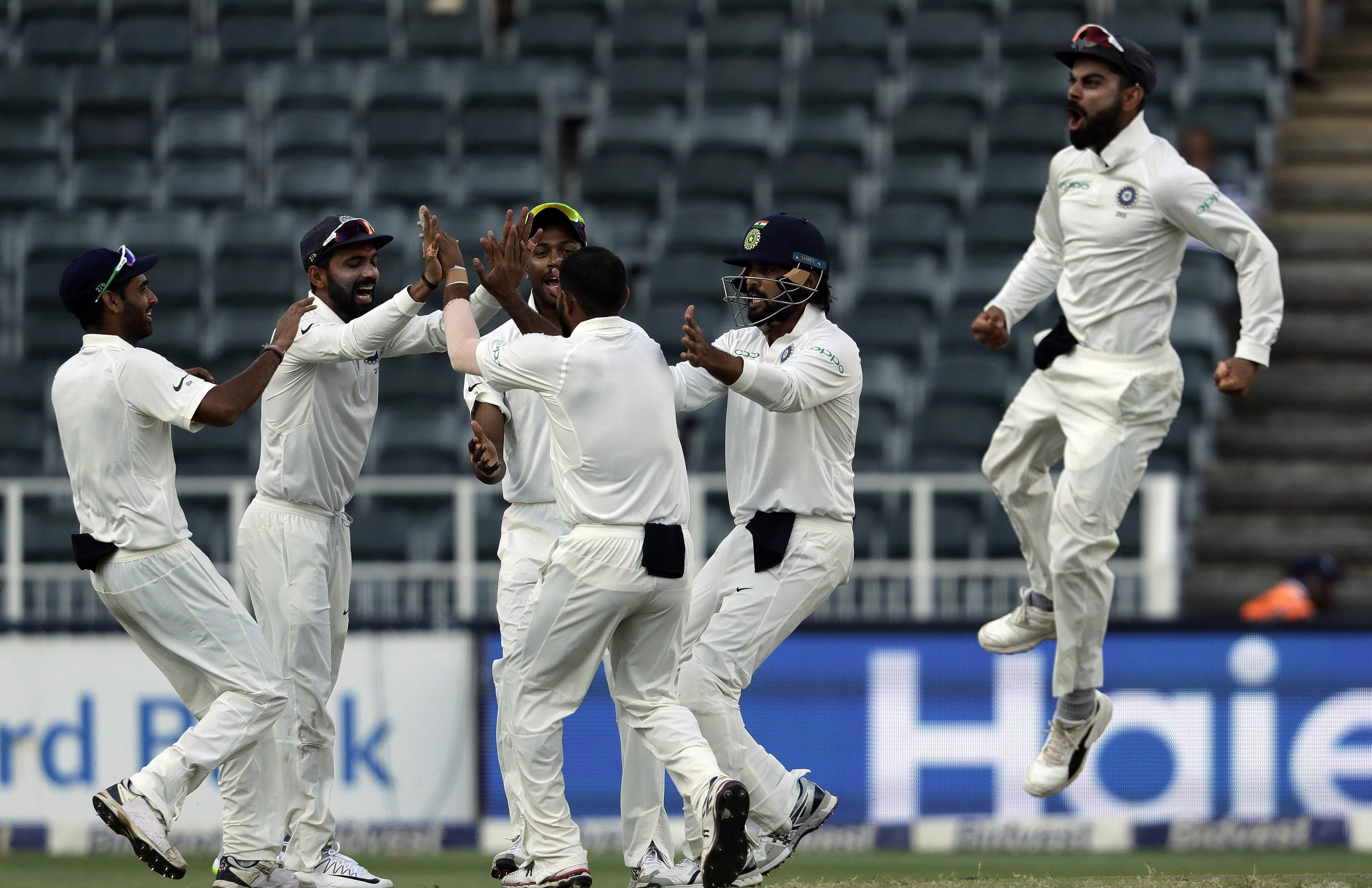 Jo'burg Test: India bowled out for 187 on Day 1
