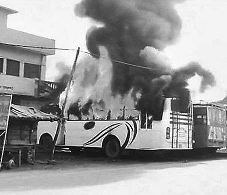 Violence again erupts in Uttar Pradesh's Kasganj, buses, shops set on fire