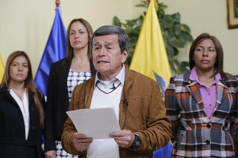 Colombia suspends ELN talks