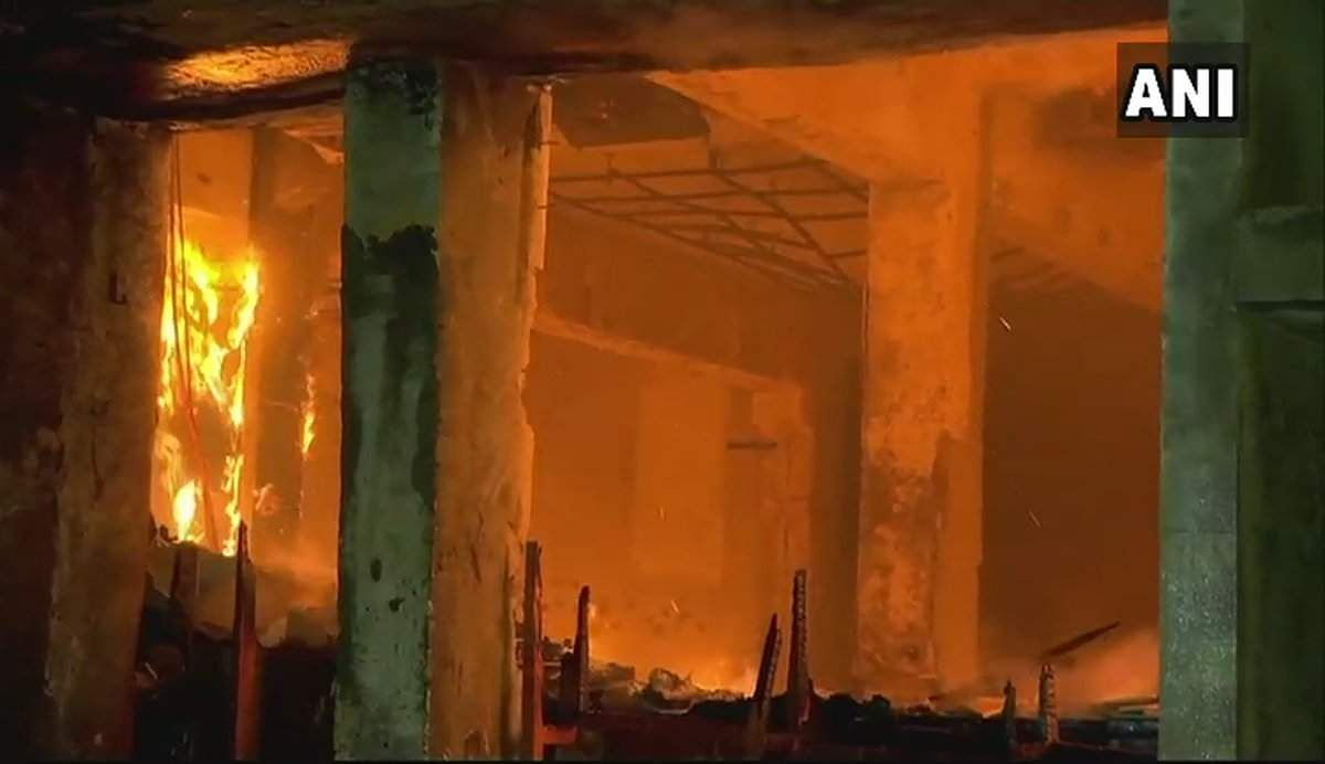 Fire erupts in sessions court building in Mumbai, no casualty