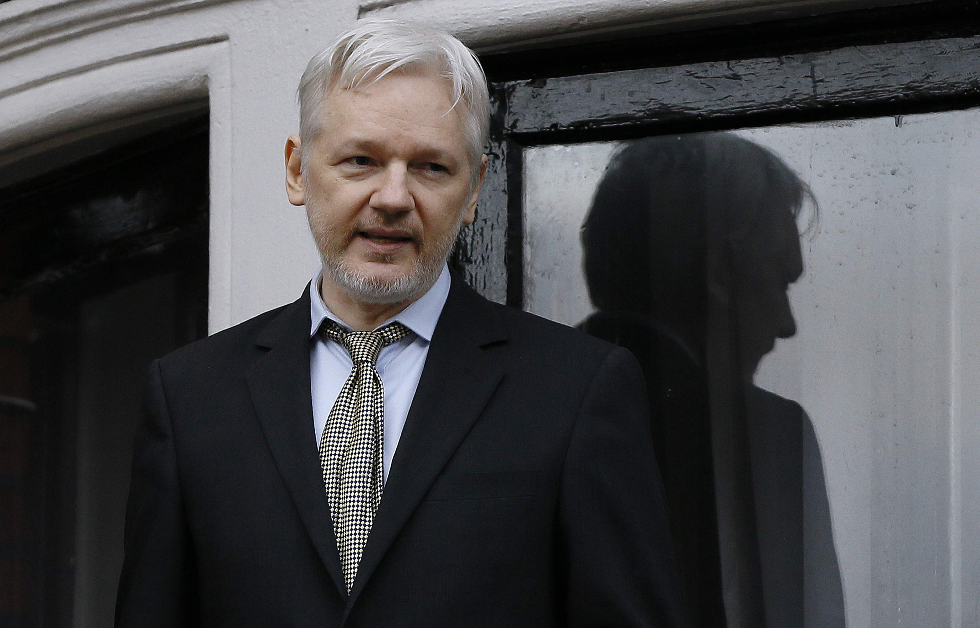 Ecuador gives Assange citizenship, seeks solution with Britain