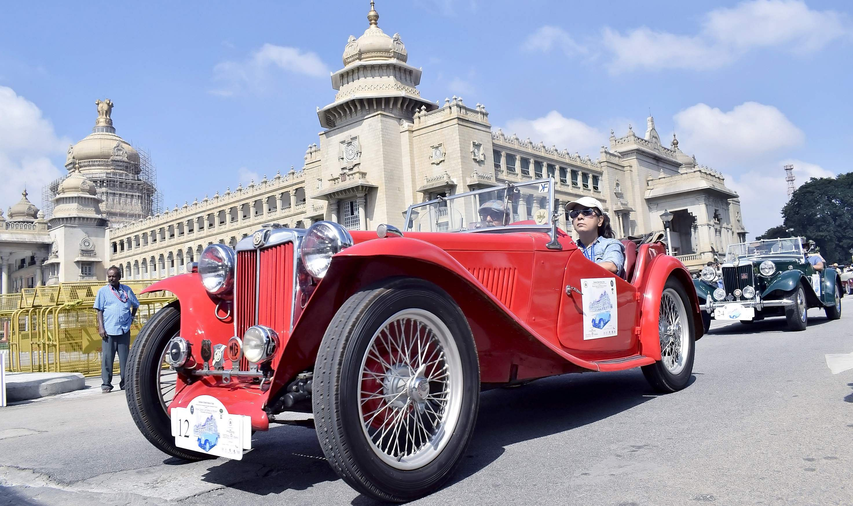 A two-day Vintage Car Rally was organised as part of Dasara festivities in Mysuru on September 30 and October 1. (Photo | Udayashankar S/EPS)