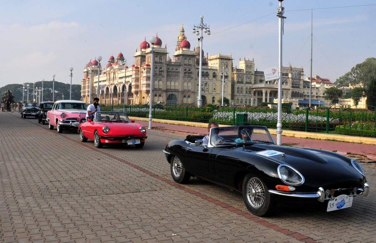 Vintage cars taking part in the rally include Lanchester, Mercedes, MG's Jaguar, Ford, Buick, Chevrolet, Morris, Austin, Alfa Romeo, Triumph, Volkswagen, Lincoln, etc. (Photo | Udayashankar S/EPS)