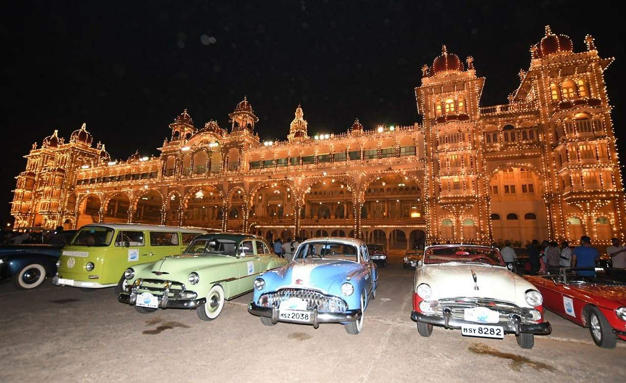 The main attraction of the event was the cars being parked in front of the Mysore Palace after the illumination. (Photo | Udayashankar S/EPS)