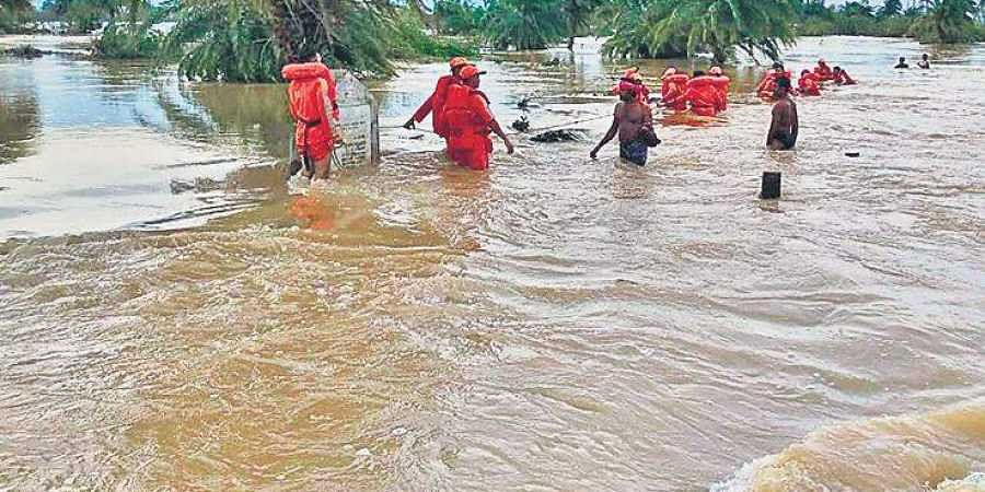 Telangana: Flood-hit villages cry for food, water - The New Indian ...
