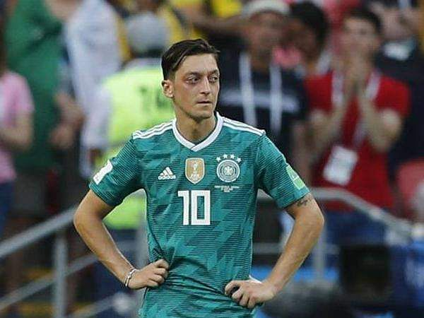 cheaper f0ef9 ffe0d Mesut Ozil birthday: 5 facts about Arsenal's playmaker - The ...