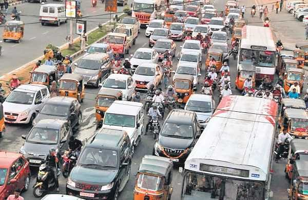 Vehicles stuck in heavy traffic for many hours at a junction in Hyderabad   | Sathya Keerthi