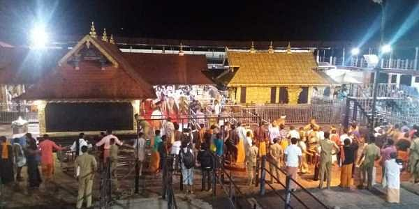 Tension at Sabarimala after rumours that a woman had entered the shrine. (Photo: EPS / Deepu)