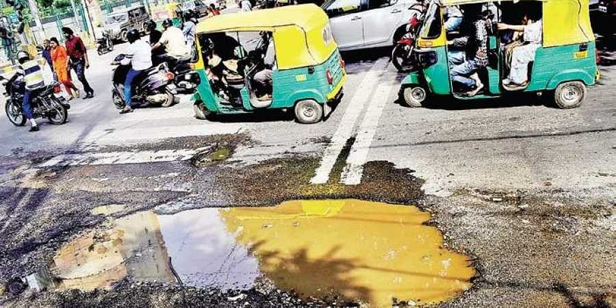 The city's population has crossed 1.2 crore, and its Swachh Bharat ranking has slid every time the survey has been conducted. (EPS | Pandarinath B)