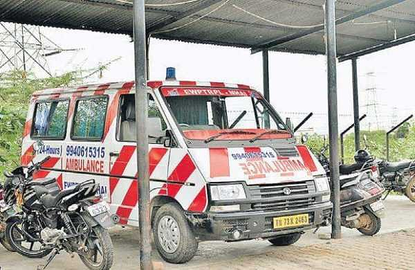 An ambulance parked on an NH to attend to road accident victims | P Jawahar