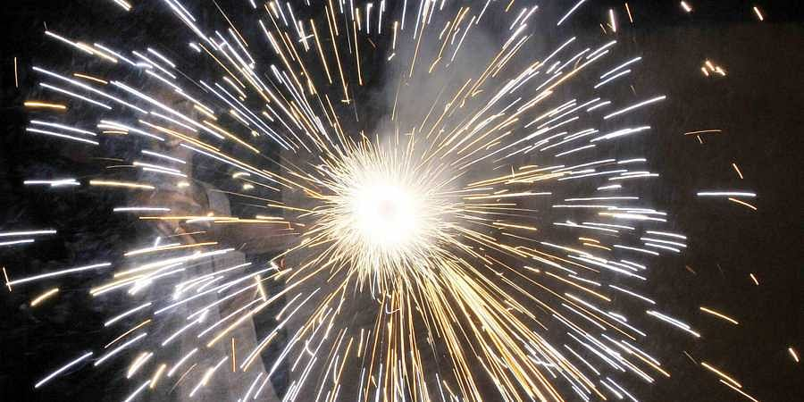 Almost 50 Lakh Kg of Firecrackers Burst This Diwali in Delhi