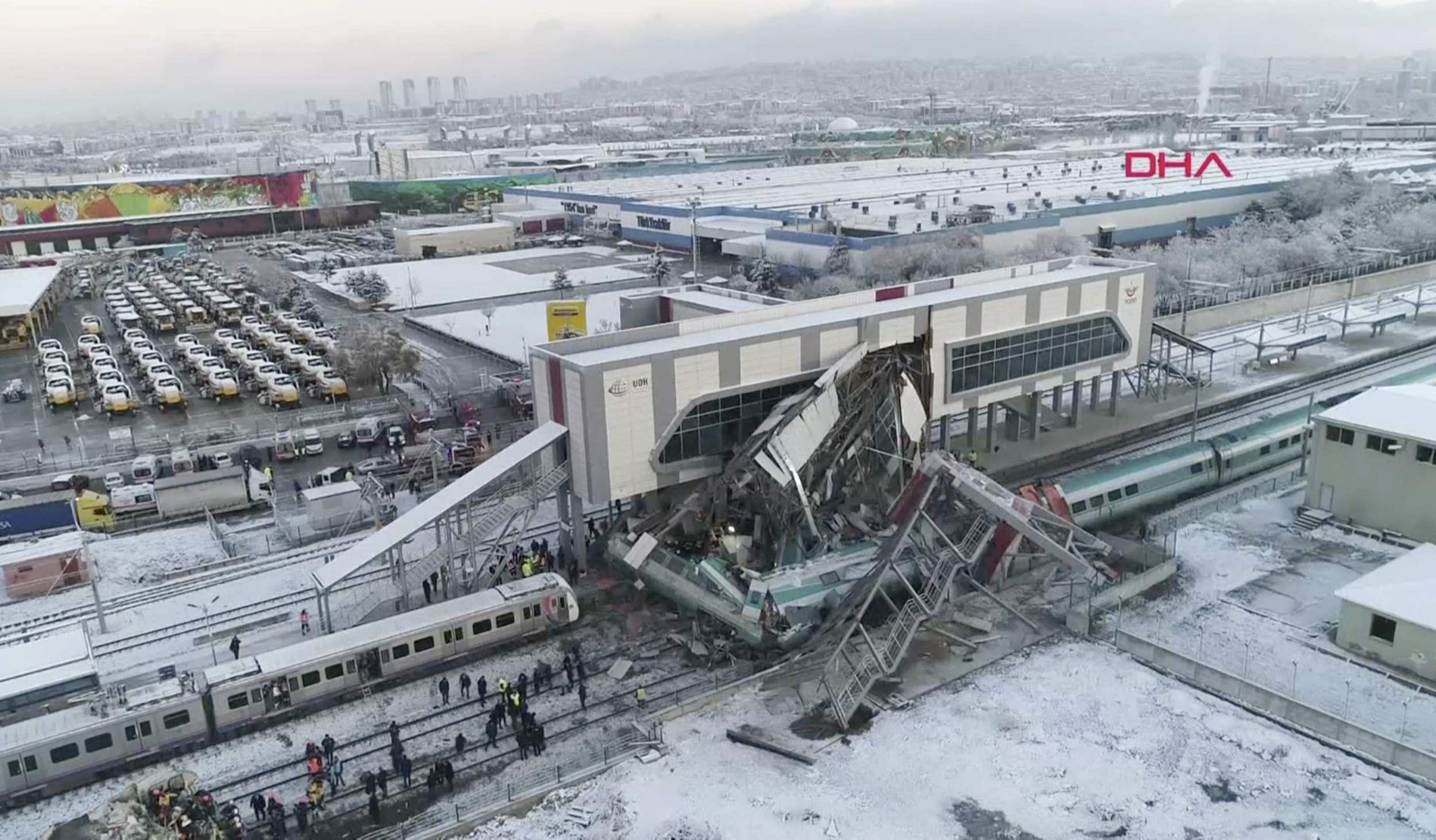 Turkey_train_mishap_AP