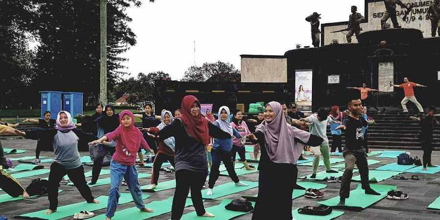 Yoga, Indonesia, India