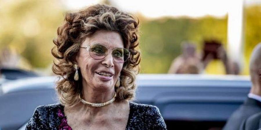 Sophia Loren says good...