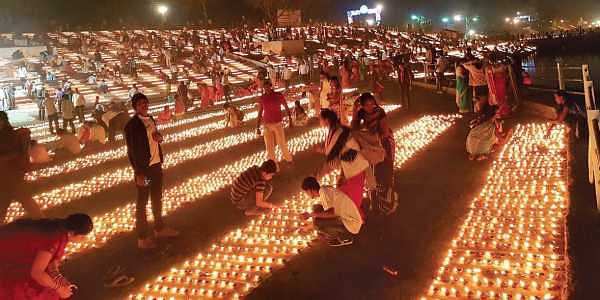 Prayers For World Peace And Indias Unity At Kumbh Of World Records