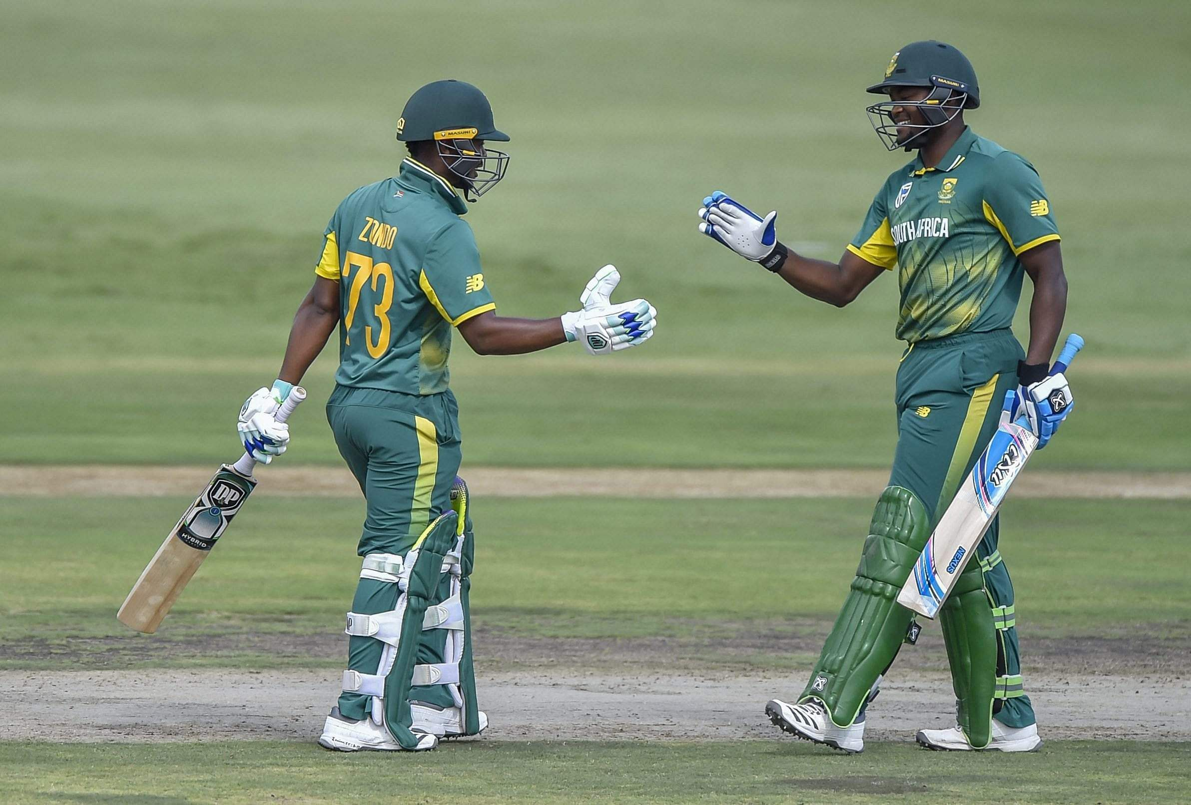 Zondo top-scored for the Proteas with a 74-ball 54, laced with three boundaries and two sixes on a good batting track, where most of the other batsmen failed against rookie pacer Shardul Thakur (4/52) and the wrist spin duo of Yuzvendra Chahal (2/38) and Kuldeep Yadav (1/51). (Photo | AP)