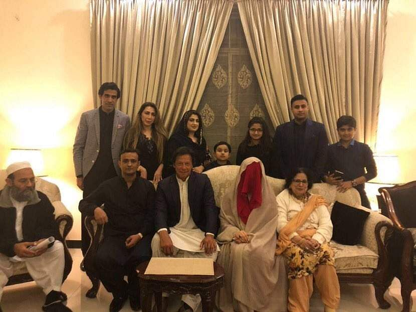 Cricketer turn politician Imran Khan marries his spiritual guide Bushra Maneka