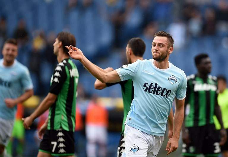 Liverpool, Arsenal boost as De Vrij exit confirmed by Lazio